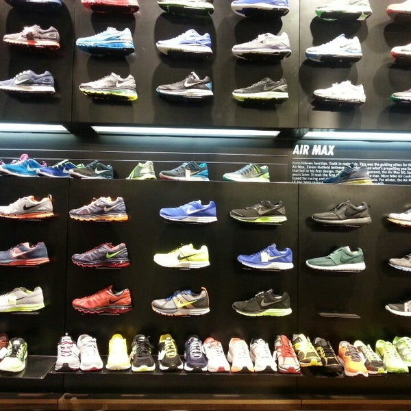 nike boutique mid valley