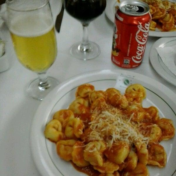 Foto tirada no(a) Restaurante Planeta's por Renato R. em 3/25/2013