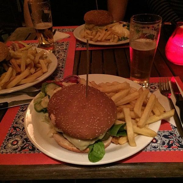 Снимок сделан в Cafe de Schutter пользователем Riemer P. 2/7/2015
