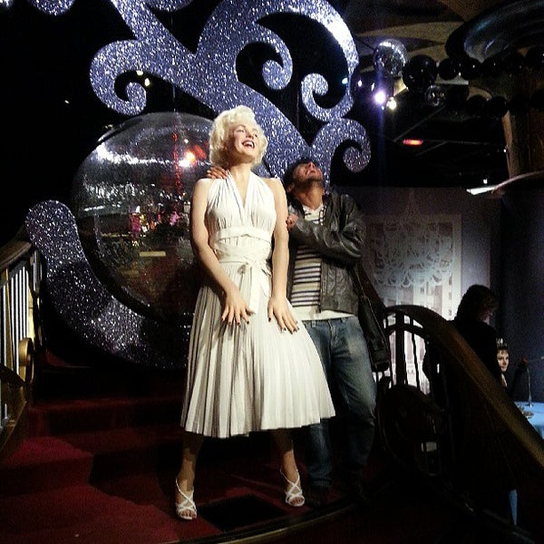 Photo taken at Madame Tussauds by Kennedy S. on 6/15/2013