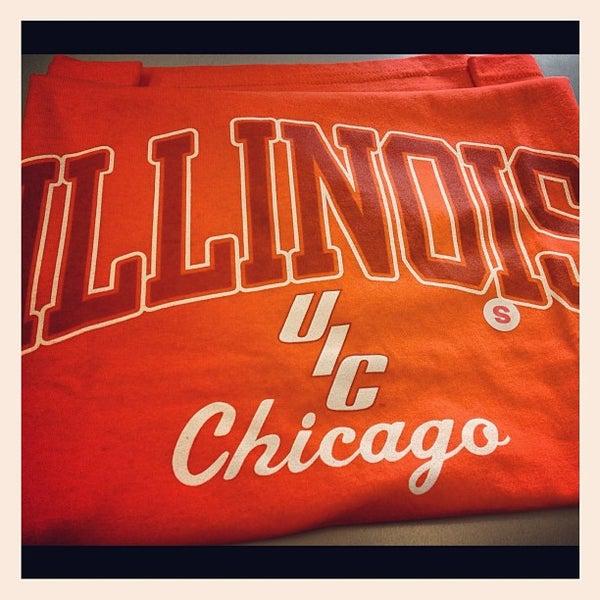 Photo prise au UIC Student Center East par Joan Cristy M. le11/20/2012