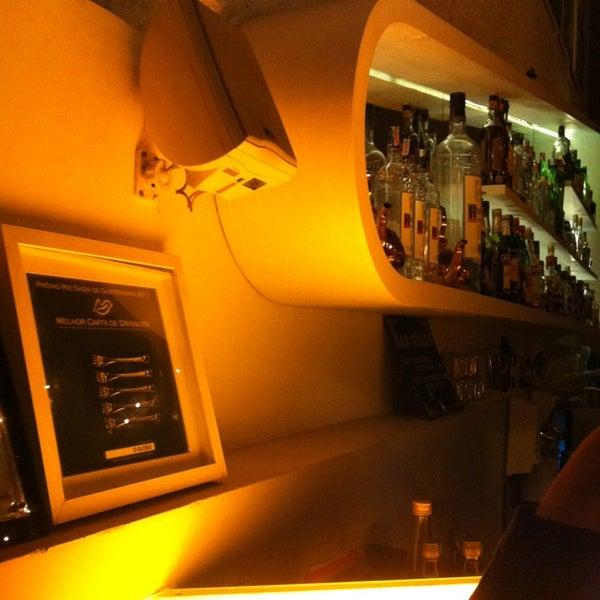 Foto tirada no(a) Meza Bar por Cristiano G. em 5/20/2013