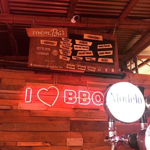 Foto tomada en Pinche Gringo BBQ Patio por Mayri d. el 3/27/2015