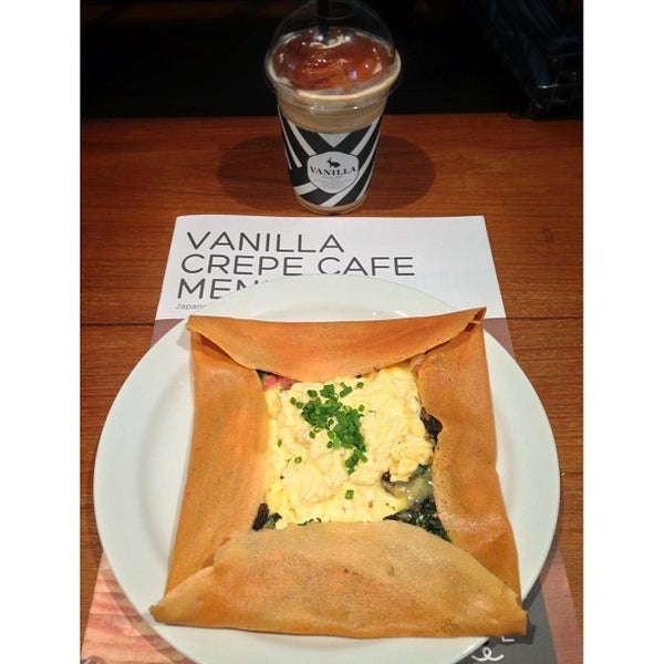 Photo taken at Vanilla Crepe Cafe by Sudlah P. on 4/7/2013