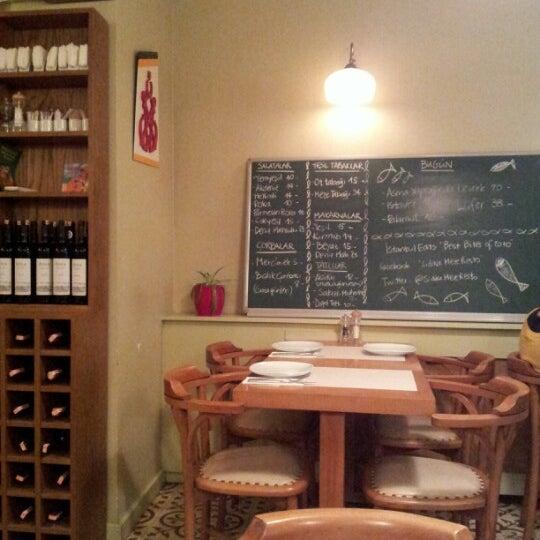 Photo taken at Sıdıka Meze Restoranı by Cenk A. on 11/10/2012