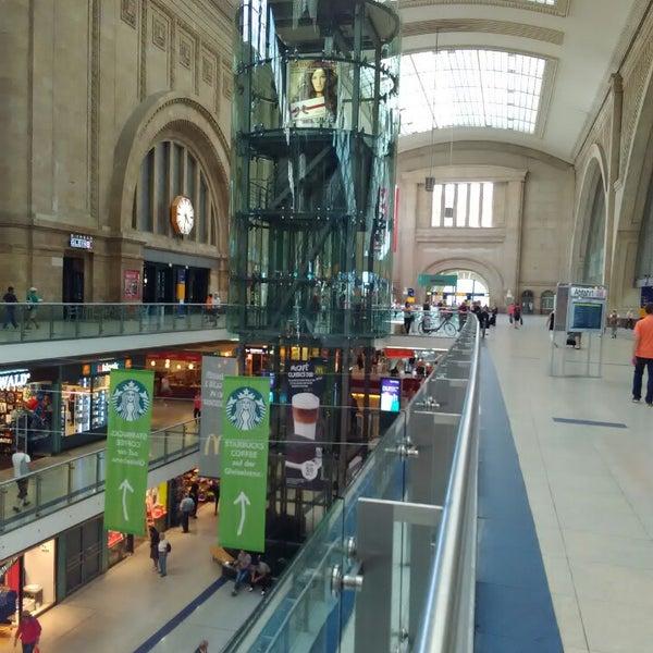 Das Foto wurde bei Promenaden Hauptbahnhof Leipzig von Sergej am 7/9/2016 aufgenommen