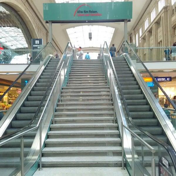 Das Foto wurde bei Promenaden Hauptbahnhof Leipzig von Sergej am 7/10/2016 aufgenommen
