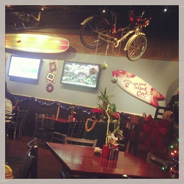 Photo taken at Rehab Burger Therapy by Q on 12/24/2012