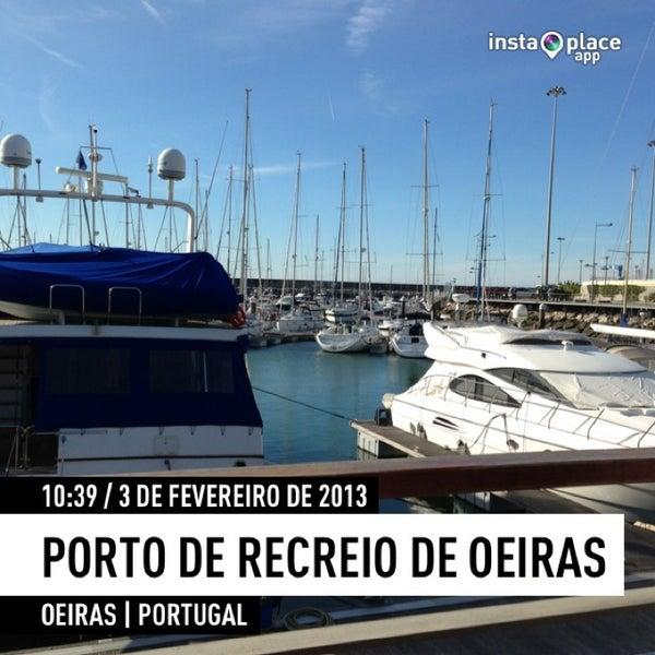 Foto tirada no(a) Porto de Recreio de Oeiras por Ricardo Z. em 2/3/2013