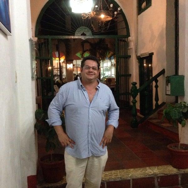 Foto tomada en Donde Olano Restaurante por Felipe B. el 5/18/2014