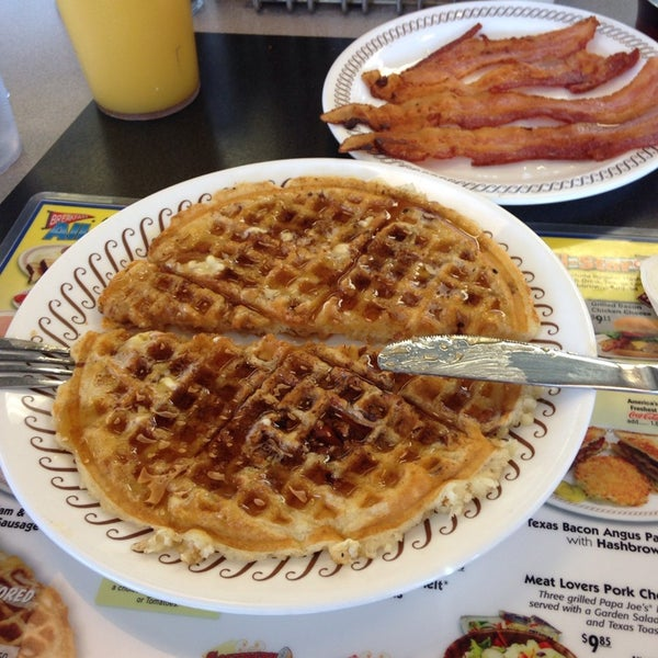 Photo taken at Waffle House by Todd 1. on 4/6/2014