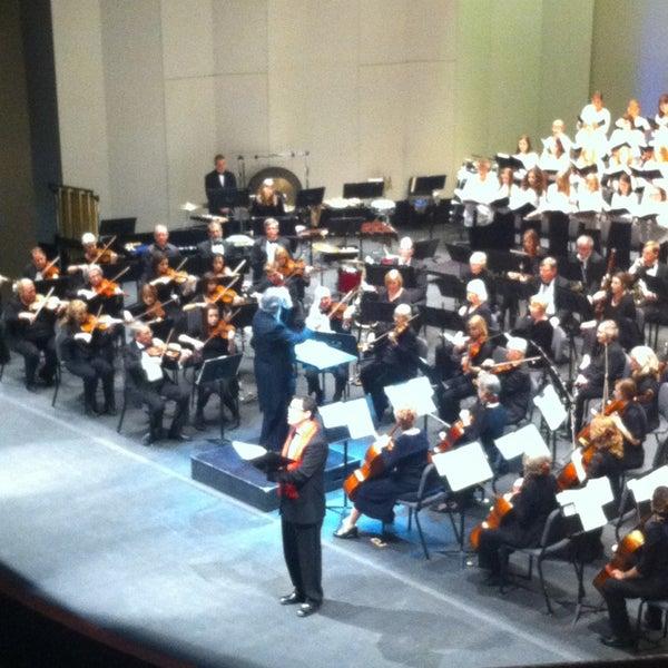 Foto scattata a Yavapai College Performance Hall da Melissa R. il 12/15/2013