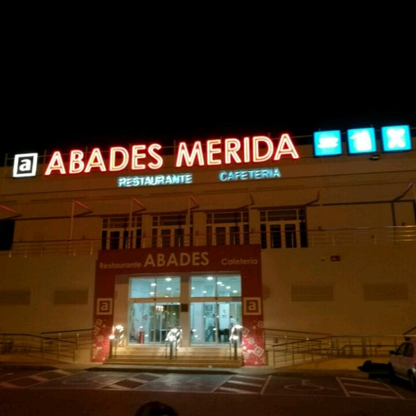 Photo taken at Abades Mérida by Danny P. on 4/16/2017