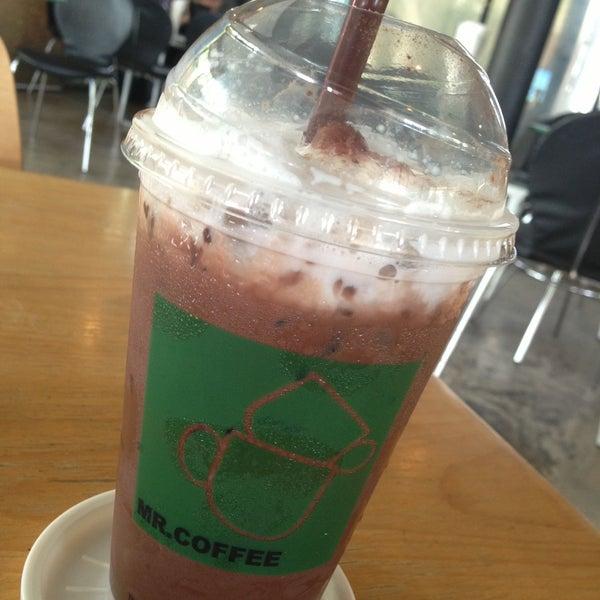 Photo taken at MR.COFFEE by Ѱɨŧɕħ Ñ. on 5/12/2013
