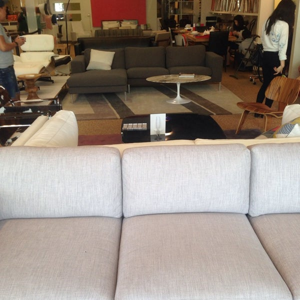 Home Furniture Outlet Store: Design Within Reach Outlet (Now Closed)