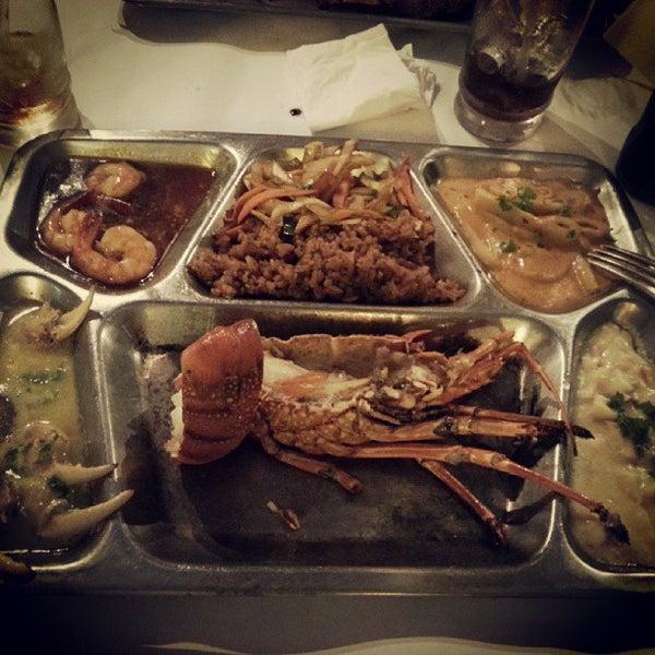 Foto tomada en Donde Olano Restaurante por Priscila M. el 9/25/2013