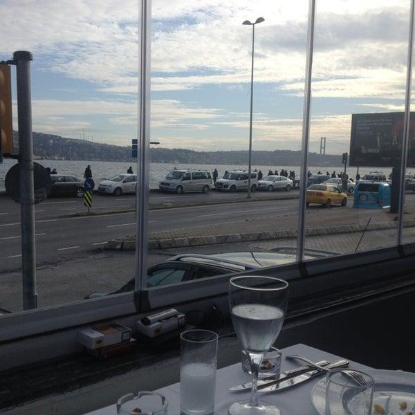 1/20/2013 tarihinde Murat E.ziyaretçi tarafından Akıntı Burnu Restaurant'de çekilen fotoğraf