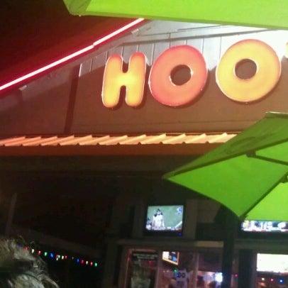 รูปภาพถ่ายที่ Hooters โดย alex 9. เมื่อ 10/14/2012