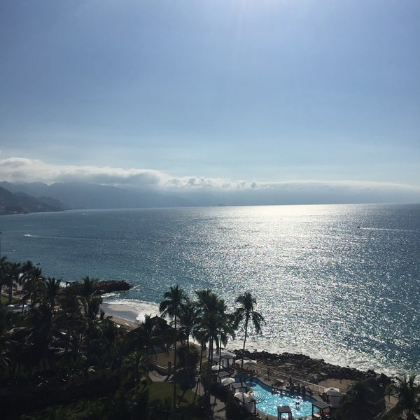 Foto tomada en Sunset Plaza Beach Resort & Spa por Claudia G. el 1/11/2016