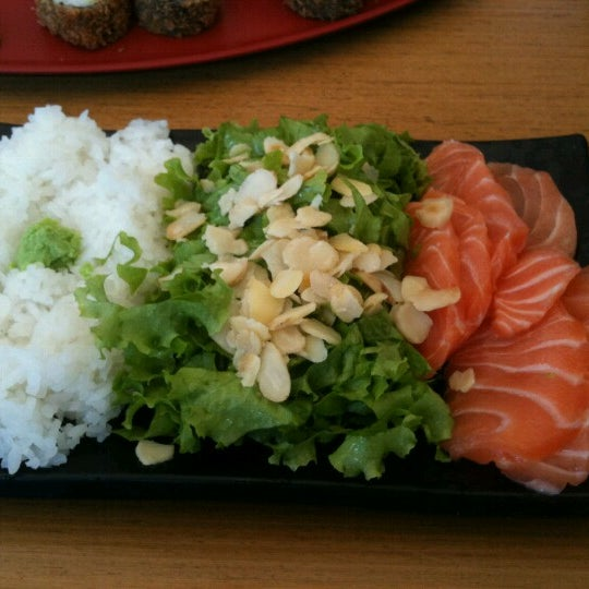 Photo taken at Manzoku by Marcelo A. on 10/4/2012