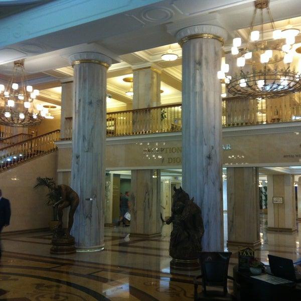 Foto scattata a Radisson Royal Hotel da Spiros L. il 7/10/2013