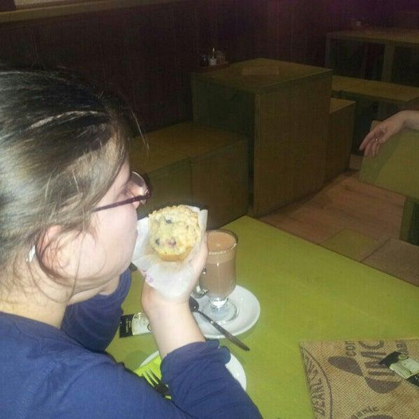 Das Foto wurde bei Die Kaffee Privatrösterei von Péter V. am 11/3/2015 aufgenommen