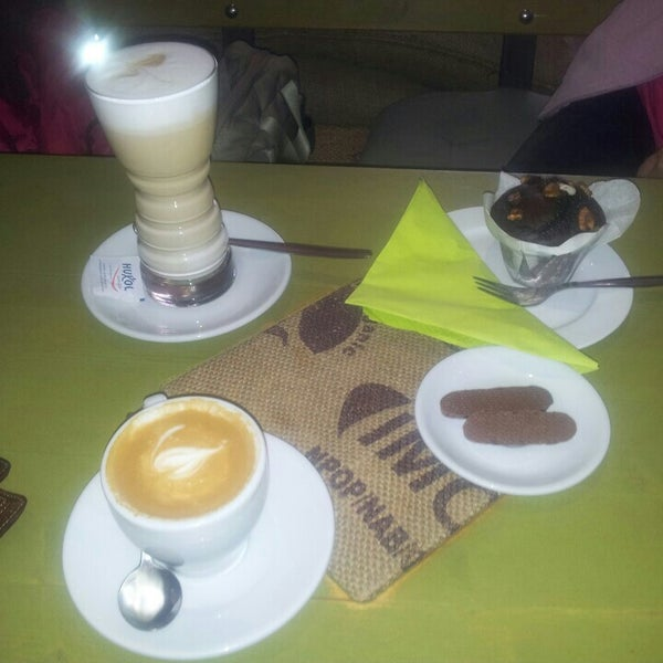 Das Foto wurde bei Die Kaffee Privatrösterei von Péter V. am 9/8/2015 aufgenommen