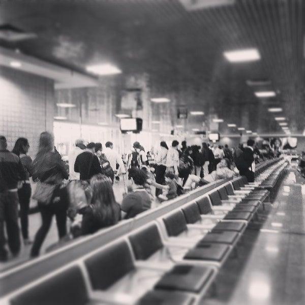 Снимок сделан в Международный аэропорт Конгоньяс/Сан-Паулу (CGH) пользователем Rodrigo M. 6/22/2013