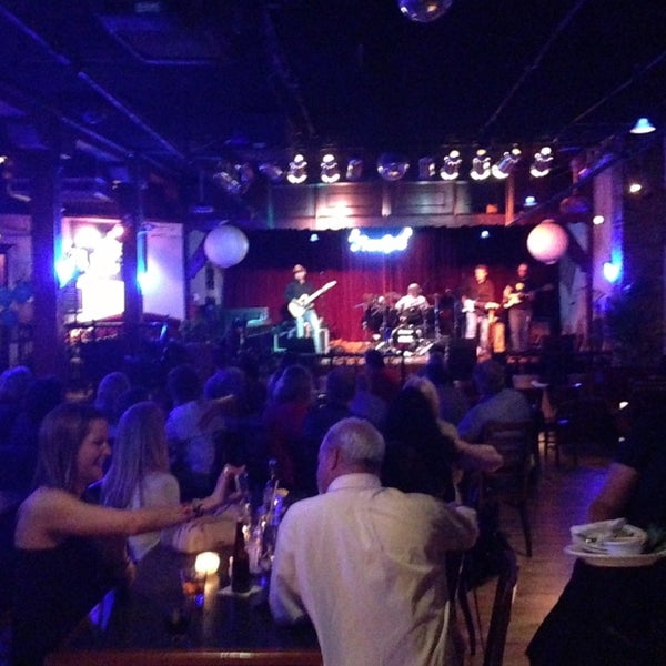 Frankie S Blue Room In Naperville