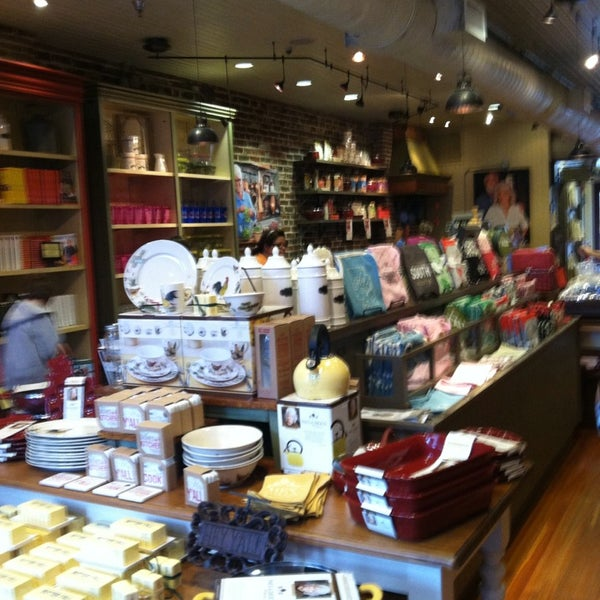 Photo taken at The Paula Deen Store by Ebbie A. on 8/20/2013