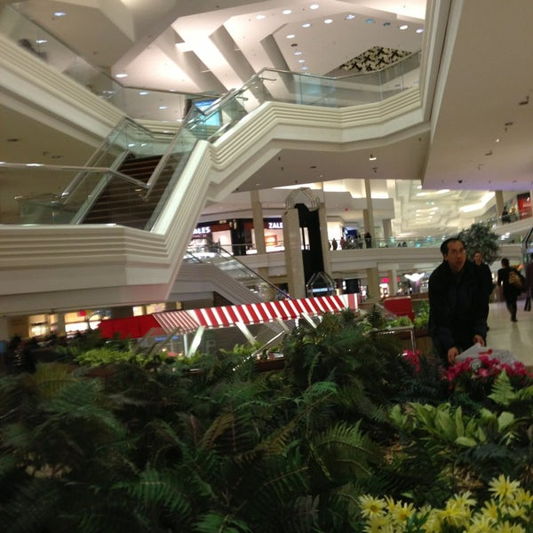Photo taken at Woodfield Mall by Patrick F. on 3/1/2013