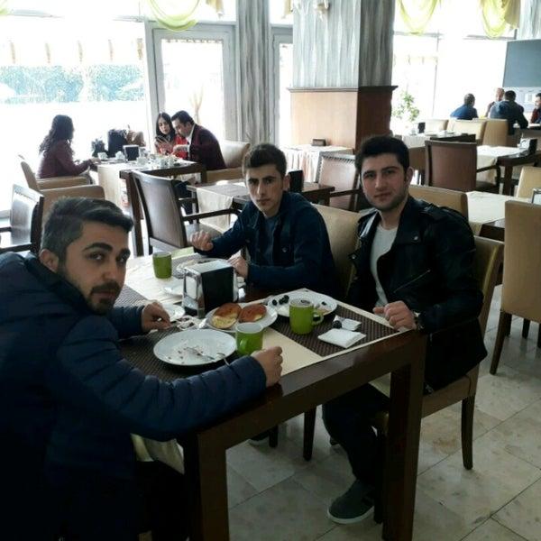 3/25/2017 tarihinde Ferdi C.ziyaretçi tarafından Pelikan Otel'de çekilen fotoğraf