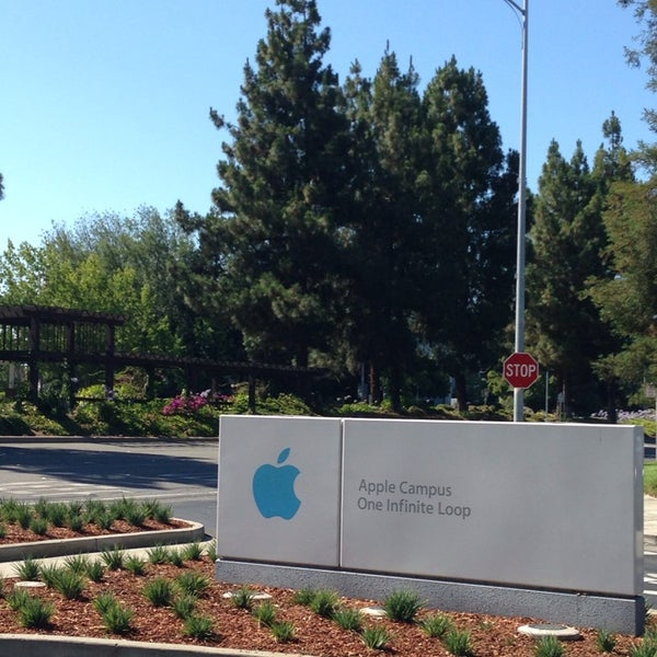 Photo taken at Apple Inc. by Kenneth T. on 7/9/2013