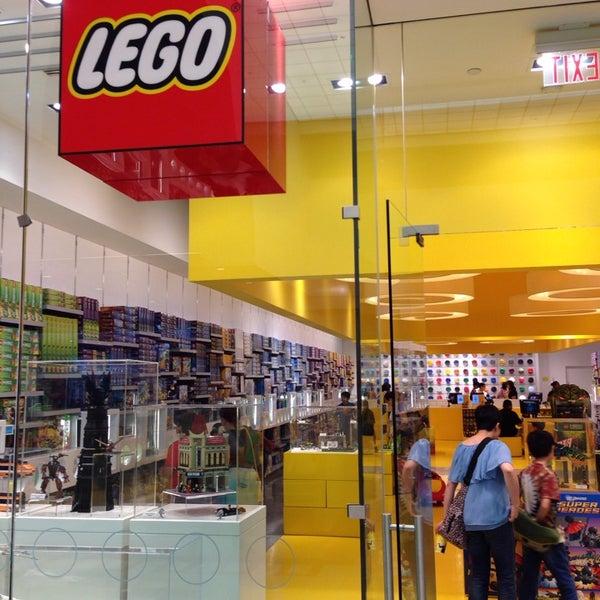 The LEGO Store - City Center - 2148 Glendale Galleria