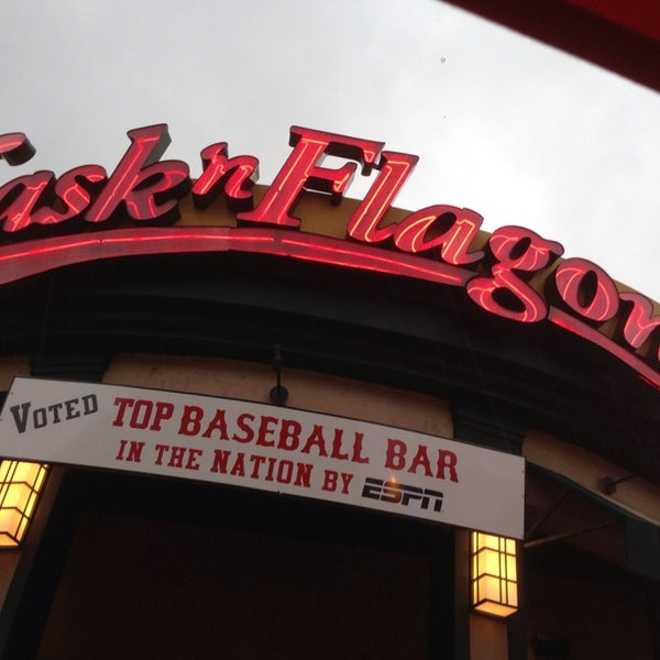 Photo taken at Cask 'n Flagon by Jack B. on 7/25/2013