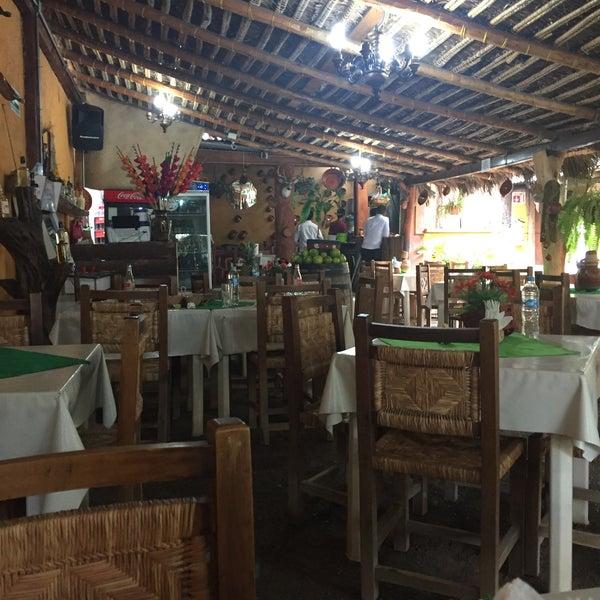 Las casuelas de los magueyes restaurante mexicano for Los azulejos restaurante mexicano