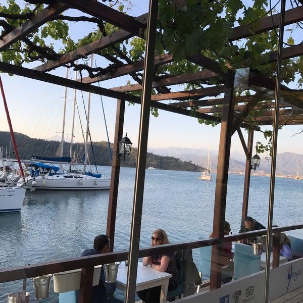 4/23/2017 tarihinde C. E.ziyaretçi tarafından Fethiye Yengeç Restaurant'de çekilen fotoğraf