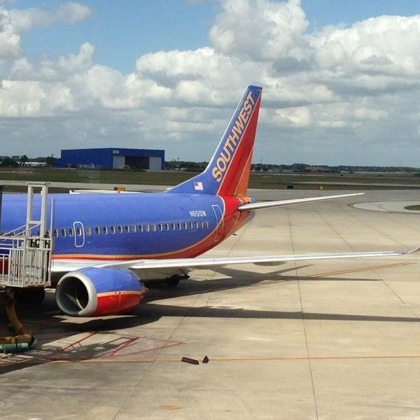 Denver United Terminal: Airport Terminal In Orlando