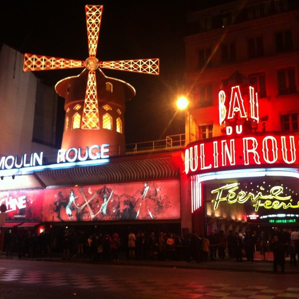 Photo taken at Moulin Rouge by Lourival D. on 3/21/2013