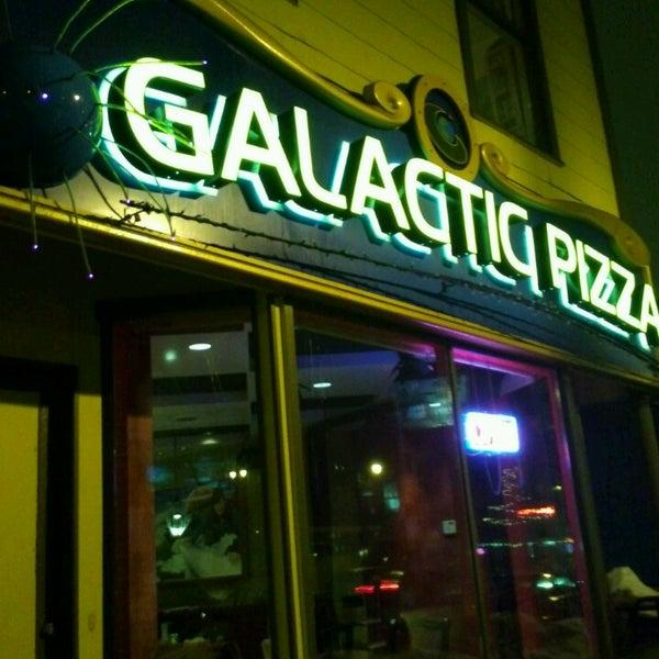 Foto tomada en Galactic Pizza por David K. el 3/10/2013