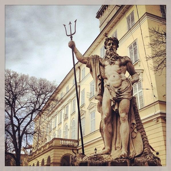 Снимок сделан в Площадь Рынок пользователем Shipovnik 3/28/2013