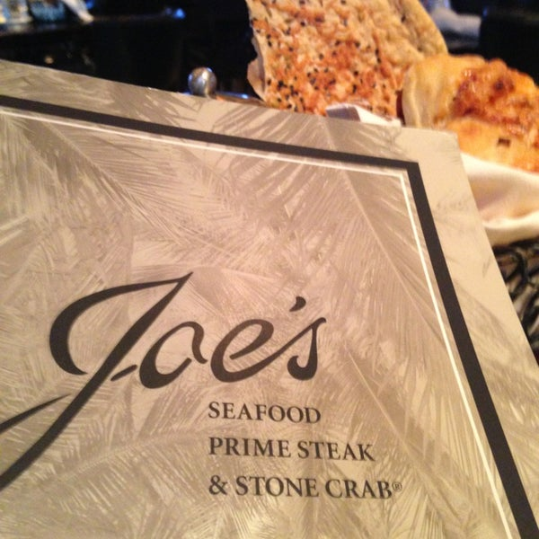 Photo prise au Joe's Seafood, Prime Steak & Stone Crab par Blane E. le6/16/2013