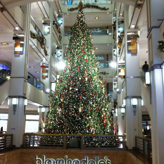 Photo taken at 900 North Michigan Shops by Purple P. on 11/18/2012