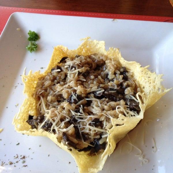 O risoto de funghi é delicioso e o atendimento é ótimo! Vale a pena!