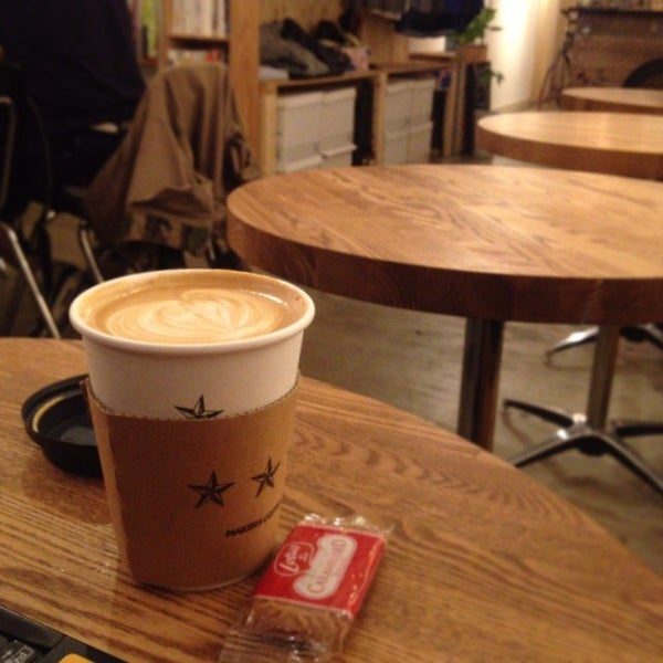Photo taken at MAKERS COFFEE by つか な. on 12/2/2013