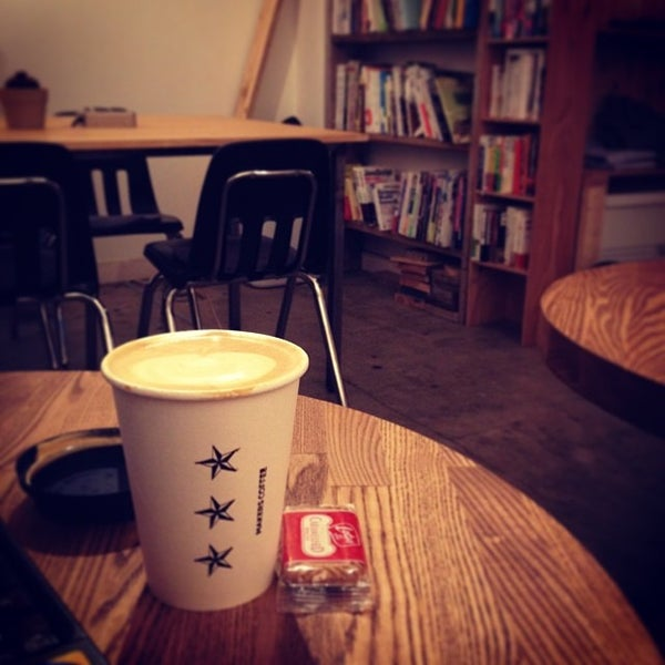 Photo taken at MAKERS COFFEE by つか な. on 11/6/2013