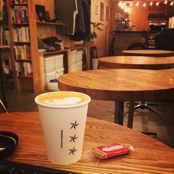 Photo taken at MAKERS COFFEE by つか な. on 1/6/2014