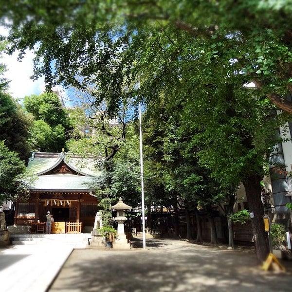 Photo taken at 大塚天祖神社 by motohide on 10/4/2012