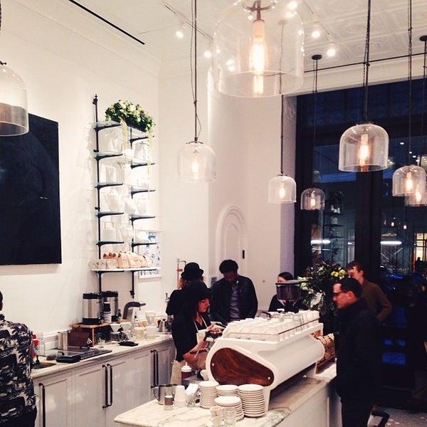Foto scattata a Toby's Estate Coffee da Nicole F. il 11/11/2013