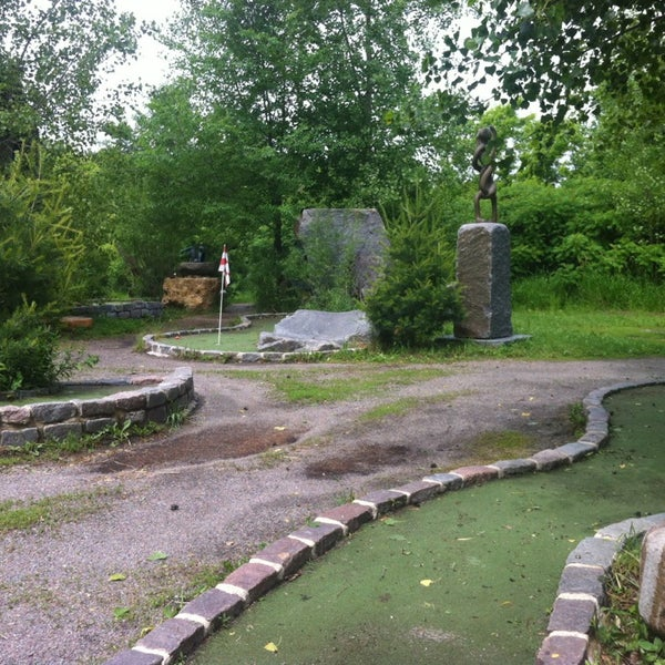 Photo taken at Big Stone Mini Golf & Sculpture Garden by Chase S. on 6/21/2013